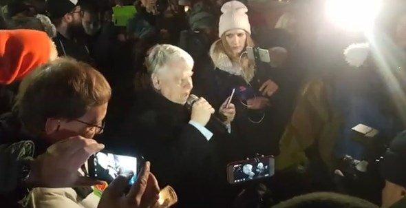 Do protestujących wyszedł wicemarszałek...