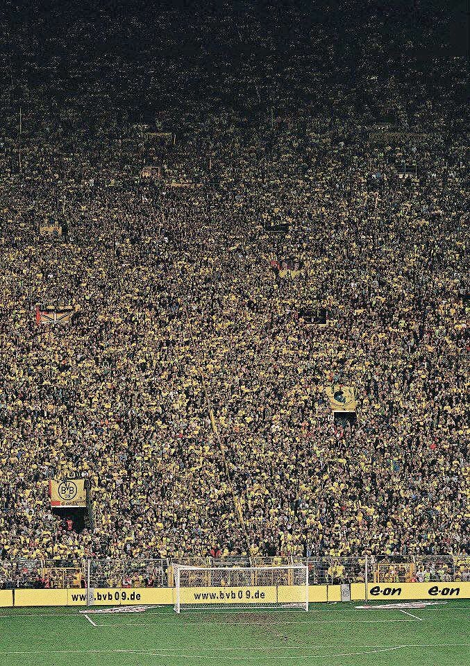 RT @footballmemorys: Borussia Dortmund fans  #BorussiaDortmund #Fans https://t.co/s6xoV6A70t