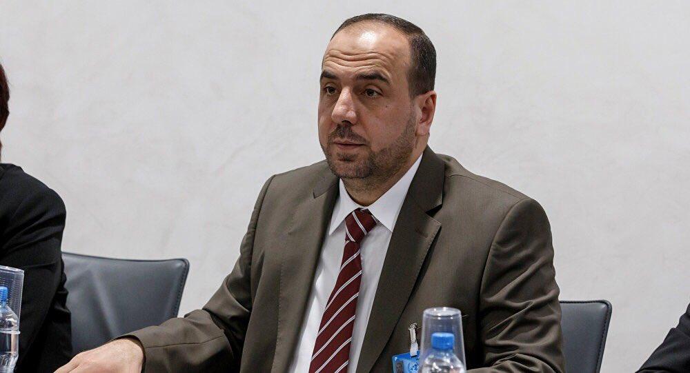 رئيس وفد المعارضة السورية نصر الحريري يق...