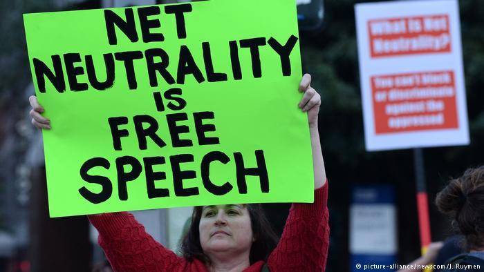 EUA revogam regras de neutralidade da rede e permitem que provedores controlem acesso a conteúdos na internet https://t.co/qc00A9s5PI #internet #NetNeutrality