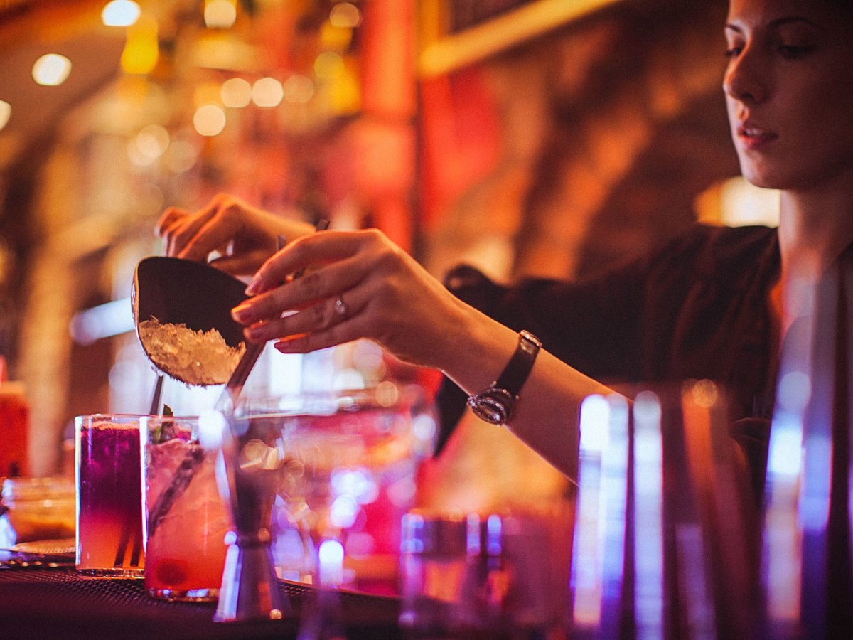 Yes, bartenders are secretly judging you: https://t.co/5VYDz0Pk0f