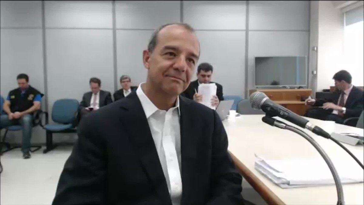 Cabral pede desculpas à população do Rio por uso de caixa 2; ex-governador prestou depoimento no processo em que é acusado por desvios em obras públicas: https://t.co/igbn83W4vP #GloboNews