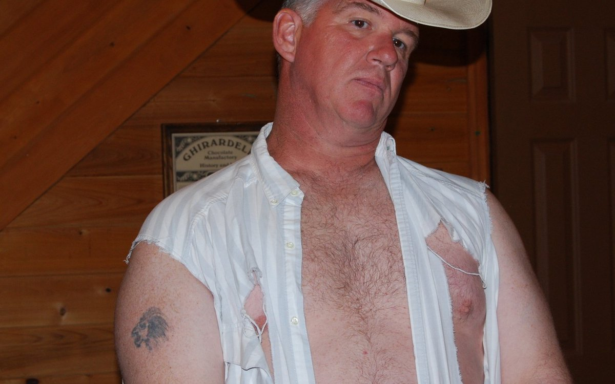 LOOK LIKE THIS REDNECK GUY? get MONTHLY SALARY from  http:// ModelingPortfolio.org  &nbsp;   #model #man #modeling #models #wanted #now #hiring #husband #brawny #hairy #chest #pecs #torn #shirt #ripped #clothes<br>http://pic.twitter.com/ZXRWYO1986