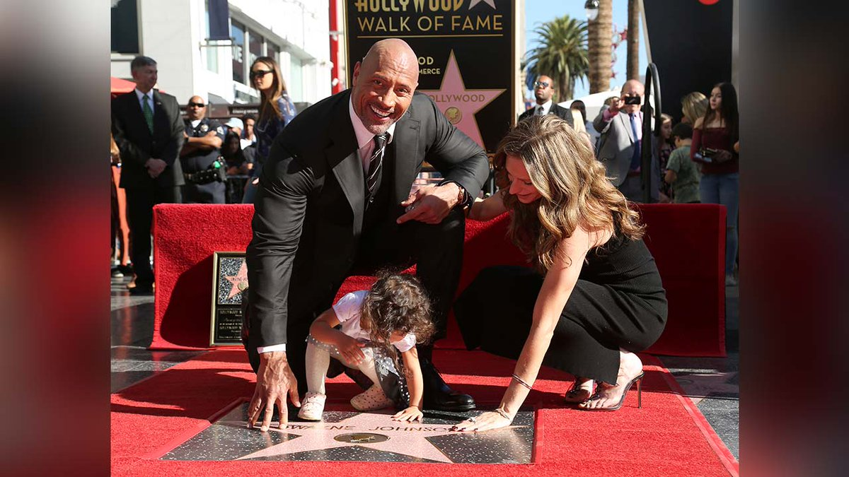Dwayne @TheRock Johnson receives star on Hollywood Walk of Fame ️ https://t.co/An63zydS0C ⭐️📽️