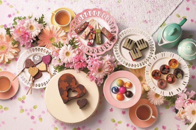 西武池袋本店のバレンタイン - ガラスの箱に入れたピスタチオチョコ&アイスキャンディー型のチョコ -