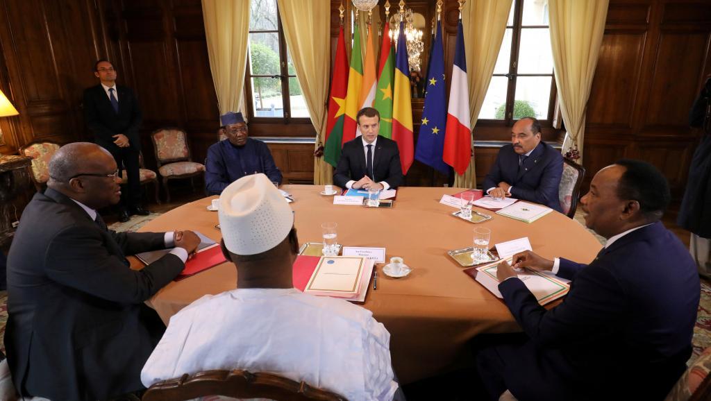 A Paris, Issoufou lève 23 milliards de dollars pour le développement du Niger https://t.co/ABDmP2uEdw