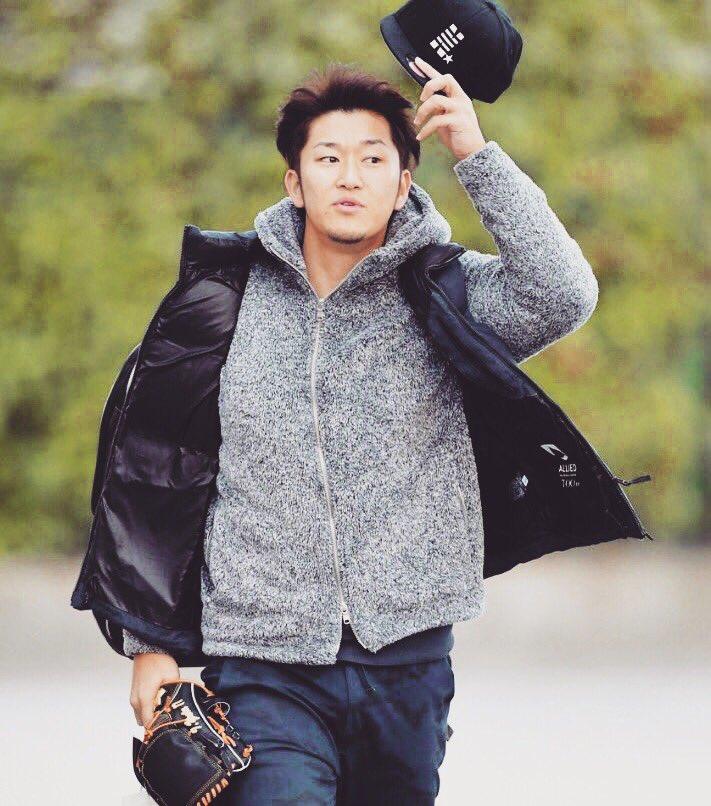 Voluntary Training #YutaIwasada #greatpitcher #youngplayer #handsomeman #hanshin #tigers #npb #ootd #outfit #cool #nice #cap #goodlooking #mensstyle #style #stylish #memsfashion #menshair #fashionshoot<br>http://pic.twitter.com/3ecwTHdheh