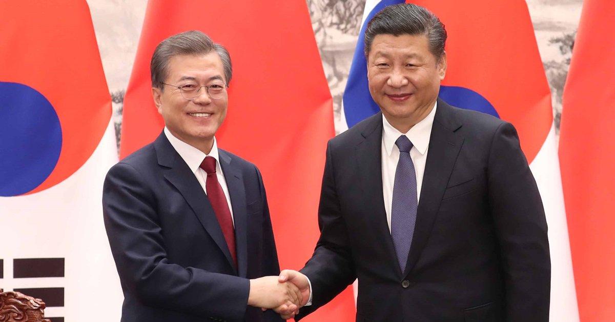 '한반도에서 전쟁은 절대 용납할 수 없다' 문재인 대통령과 시진핑 중국 국가주석이 정상회담을 했다. 한반도 평화를 위해 네 가지 원칙에 합의했다. 비핵화, 평화적 해결 등을 강조했다. 양국 관계복원 청신호가 켜졌다. https://t.co/fYjA0yCHIZ