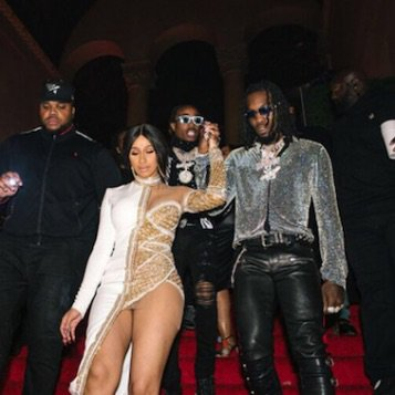 #CardiB gives #Offset a Rolls-Royce Wraith at his 26th Birthday Celebration with #Ashanti, #BigSean, #GEazy, #LilYachty, #Pharrell, #Quavo, #SwaeLee and #Takeoff!🔥🔥 https://t.co/DaWUCUUl3U