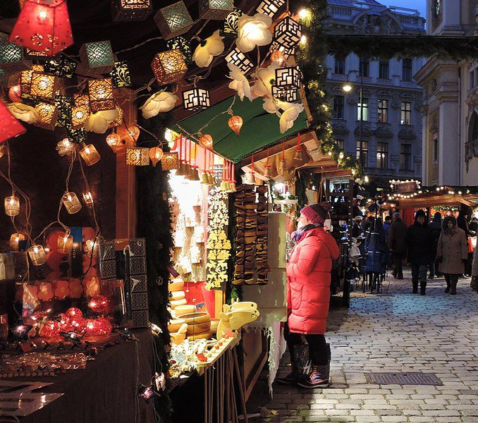 The magical Christmas markets of Vienna https://t.co/RsDzo0pVHl #Vienna  #christmasmarket #Christmas https://t.co/Ilu6RmDT0e