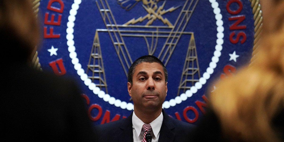 트럼프 정부가 끝내 '망중립성 규제'를 폐지했다. '자유로운 인터넷'을 죽였다. https://t.co/c9pNZDGH8B
