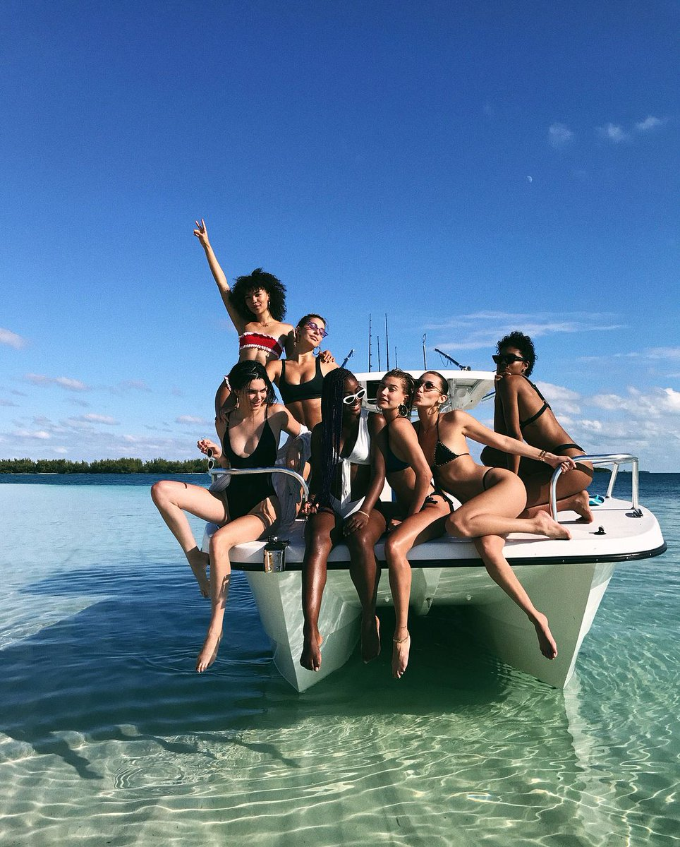 Kendall Jenner and Pals Take Girls Trip to Bahamas https://t.co/OcfCwwfi9B