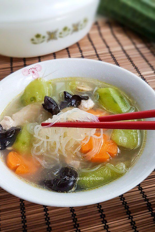 Did you know? #Luffa is so #delicious when cooked. Try this #healthy luffa with black fungus #soup. Cooks in under 30 minutes!  #Recipe &gt;&gt;  https:// goo.gl/NX71hw  &nbsp;    #asian #cooking #foodie #nom <br>http://pic.twitter.com/rQVs5nmmrv