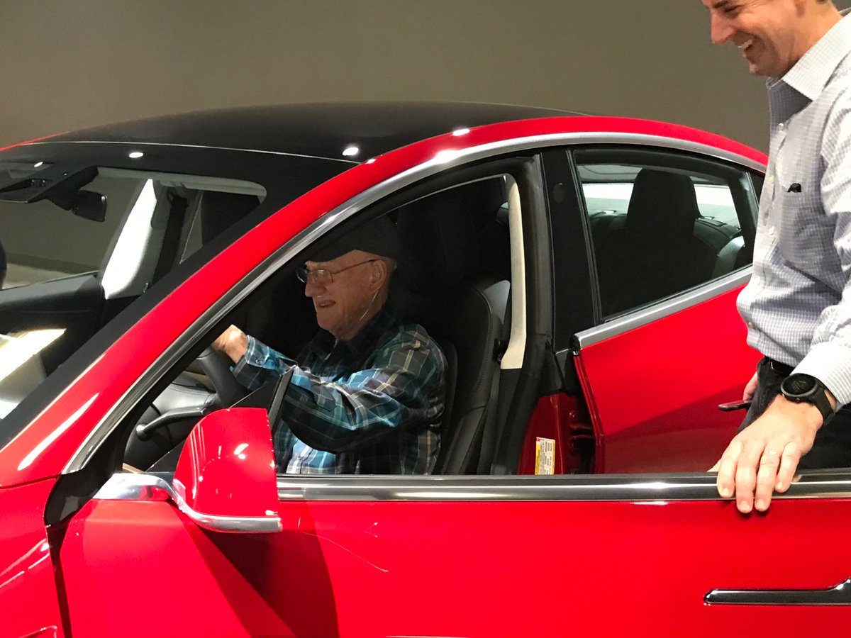 Man with terminal cancer moved up Tesla wait list https://t.co/FT68hkfyyq