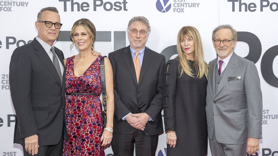 Steven Spielberg, @tomhanks compare Trump Administration to Nixon's at #ThePost premiere https://t.co/P5z5yCGDLI https://t.co/n5SZMBsHQa