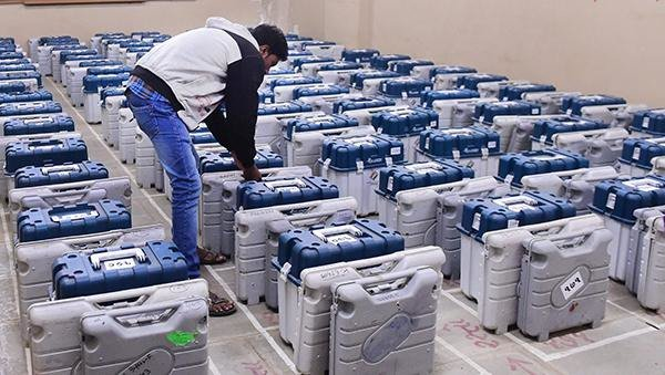 #BigNews  Congress moves to Supreme Court, demands verification of 25% of VVPAT votes with EVM votes   More details here: https://t.co/SG1TVlbpXX