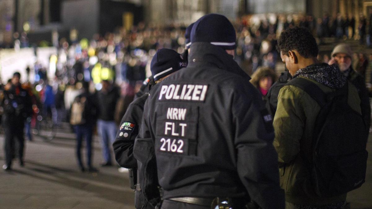 Silvester am Dom: Köln droht eine Tradition der Schande https://t.co/cpw3w6HeoJ