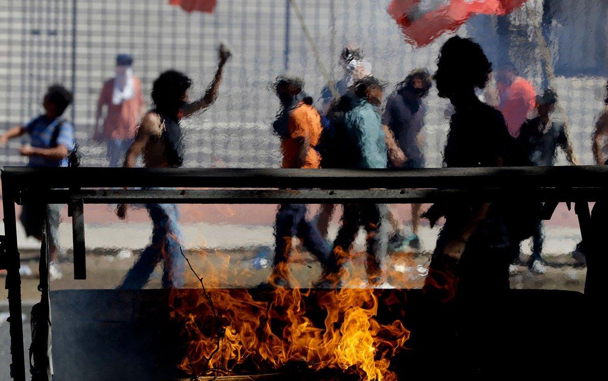 Deputados suspendem votação de reforma da previdência após protestos violentos na Argentina https://t.co/yOJUOjDWgf #G1