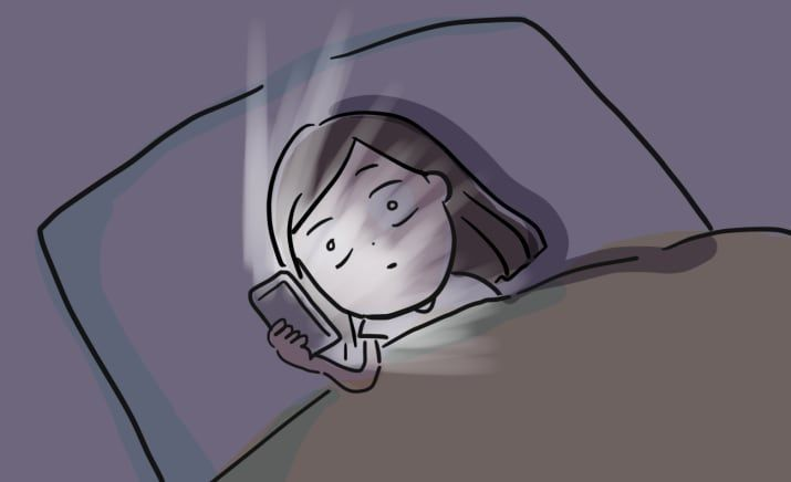 【眠れない人が深夜に考えていること】 耐えきれずにスマホを見てしまう