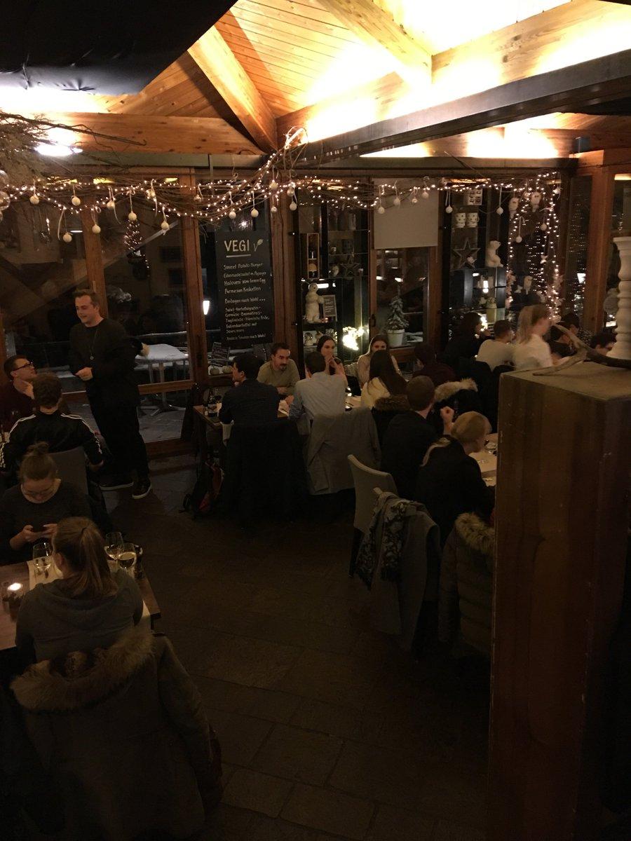 Restaurant Weihnachtsessen.Htw Digital Business On Twitter Am Mittwochabend Fand Das