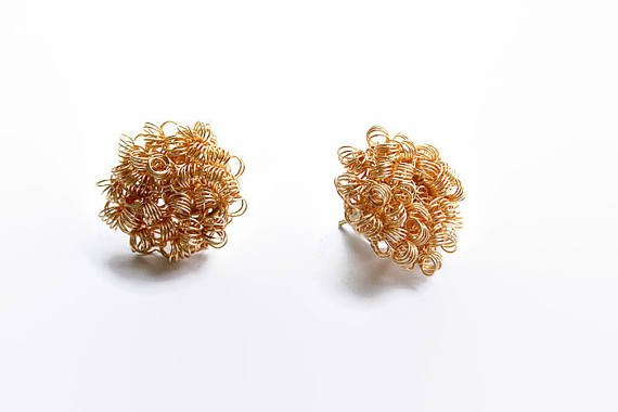 Gold stud earrings, circle, minimalist, wire #crochet #jewelry, everyday, post earrings, geometric, delicate, modern #boho #etsy #epiconetsy #shopping #shopsmall #jewelryonetsy #etsyseller #handmade  http:// etsy.me/2iGJc0r  &nbsp;  <br>http://pic.twitter.com/s8X45ia5Su