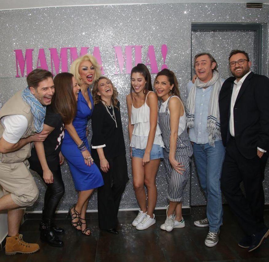 Mamma Mia | 2ος χρόνος | Πρεμιέρα 26 Οκτωβρίου - Σελίδα 13 DRF9VBxWkAAuapU