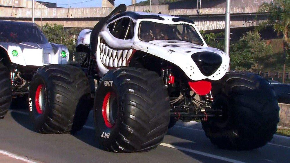 'Caminhões-monstros' desfilam pela Radial-Leste em São Paulo https://t.co/VIOTm4Oeia #G1SP