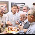RT @EssayFamClub: Me rn #ImranKhan #SupremeCourt h...
