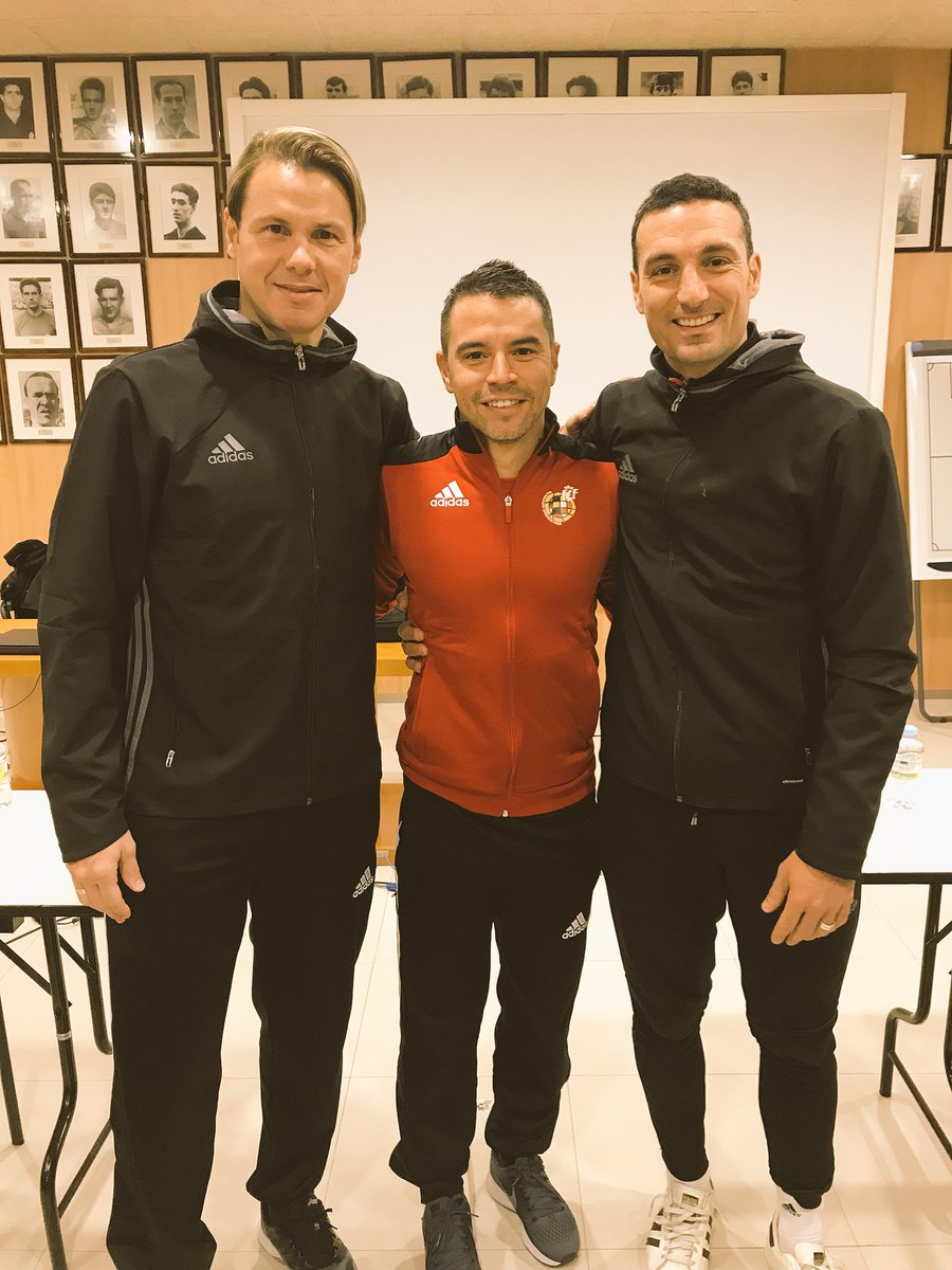 En el curso UEFA PRO!!! Aprendiendo y disfrutando con dos grandes compañeros...