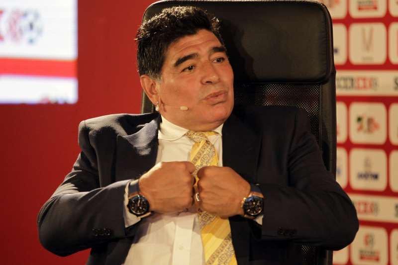 فيديو .. مارادونا يهاجم  رونالدو بتصريحات مثيرة ويسخر منه لهذا السبب