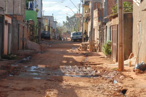 IBGE: 50 milhões de brasileiros vivem na linha de pobreza. https://t.co/ohg8tPeQkl 📷Marcelo Casal/Agência Brasil