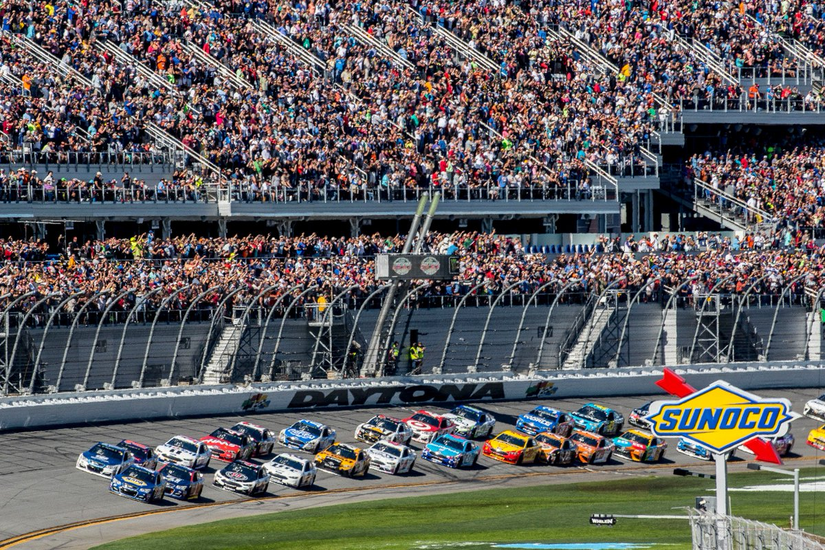 Give the perfect gift! Order your #DAYTONA500 tickets by end of day Tuesday and select UPS as your delivery option to guarantee you get your tickets by #Christmas!  Buy now at https://t.co/GDBAyWYyGR