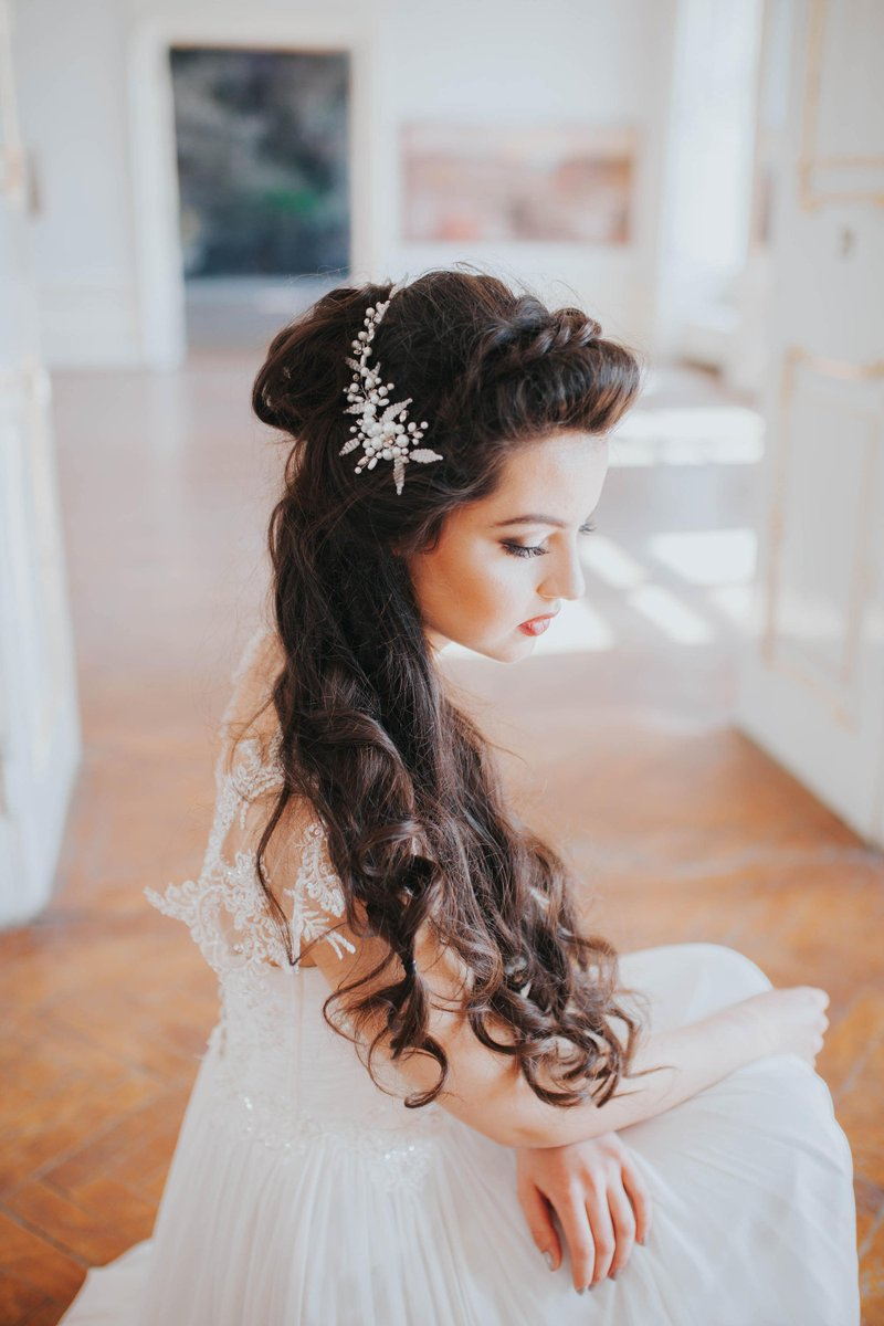 Hairpiece available on #etsy shop: Handmade Bridal Accessory  Pearls, Rhinestones Hairpiece  http:// etsy.me/2ASfYHX  &nbsp;   #supplies #white #jewellerymaking #silver #bride #wedding #headpiece #handmade #hairpiece #engaged #bridetobe #europe #love #stylemepretty #magazine<br>http://pic.twitter.com/Y5vKdHdQNo