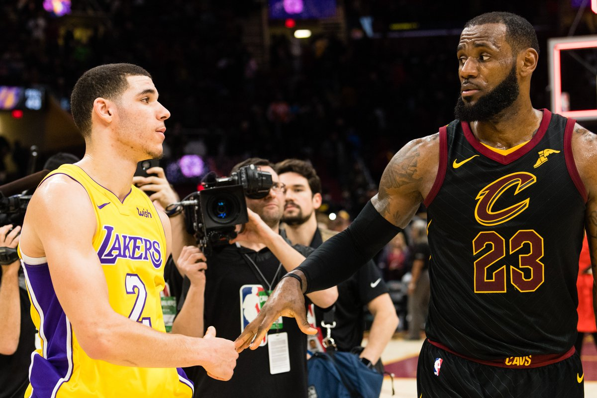 "LeBron James says Lonzo Ball is ""someone that you want to play with"" https://t.co/69HQRBaXVv"