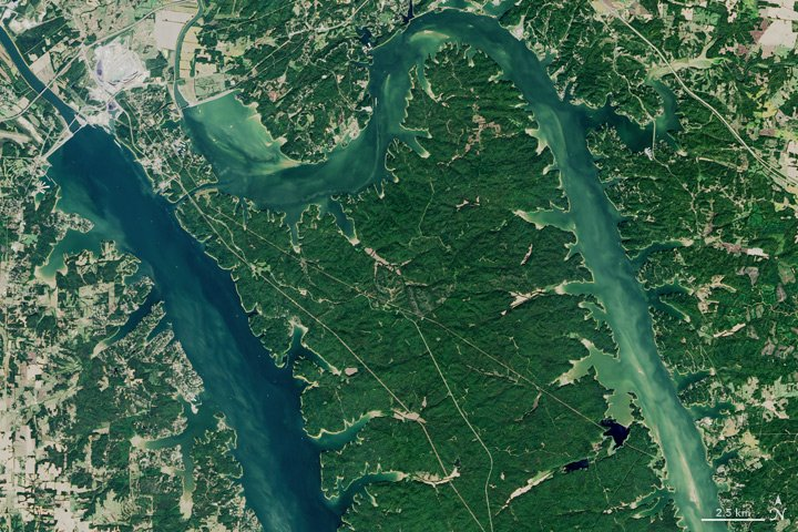 The Land Between the Lakes https://t.co/rByIayWM3l #NASA