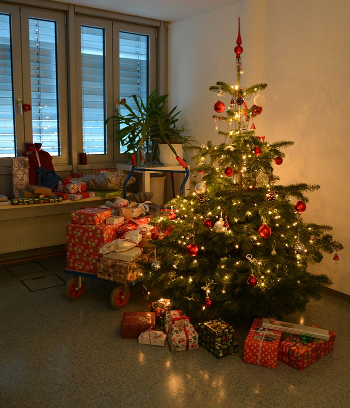 Weihnachtsfeier Wichteln.Combit On Twitter Ho Ho Ho Alle Combits Haben Für Ihre Kollegen