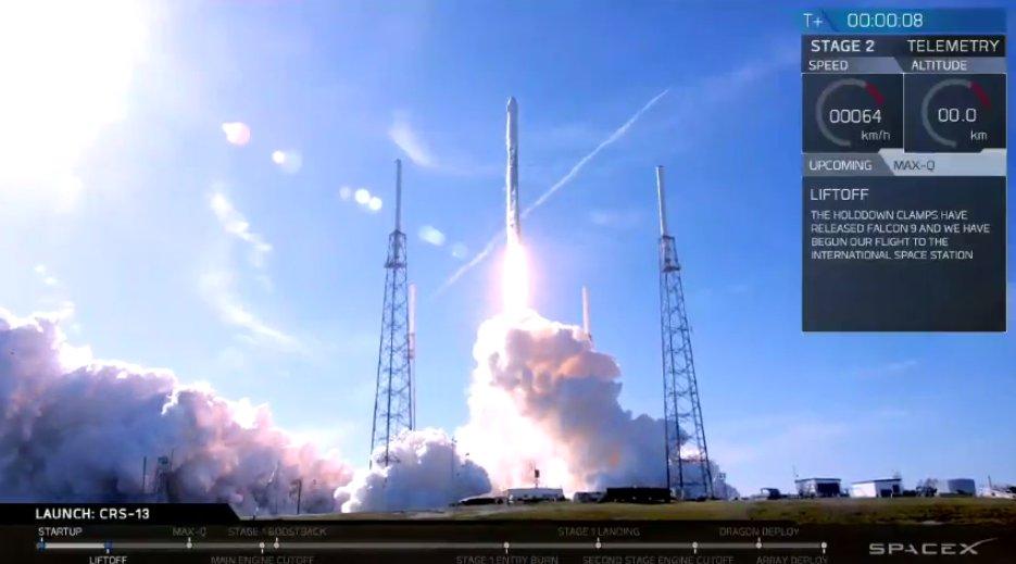 SpaceX впервые повторно отправила ступень ракеты и капсулу Dragon с грузом на МКС