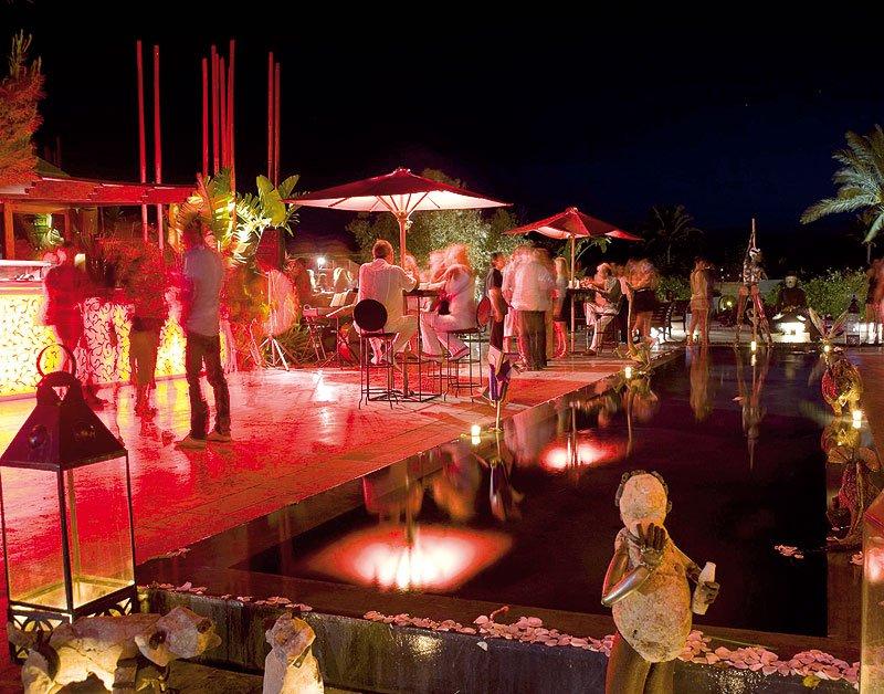 A #destinationwedding like no other #Ibiza party central Stunning #beaches #sunset Let&#39;s Plan #luxurytravel #bride Service Worldwide #bride  @1DestinationWed<br>http://pic.twitter.com/J3fZ5sxDJP