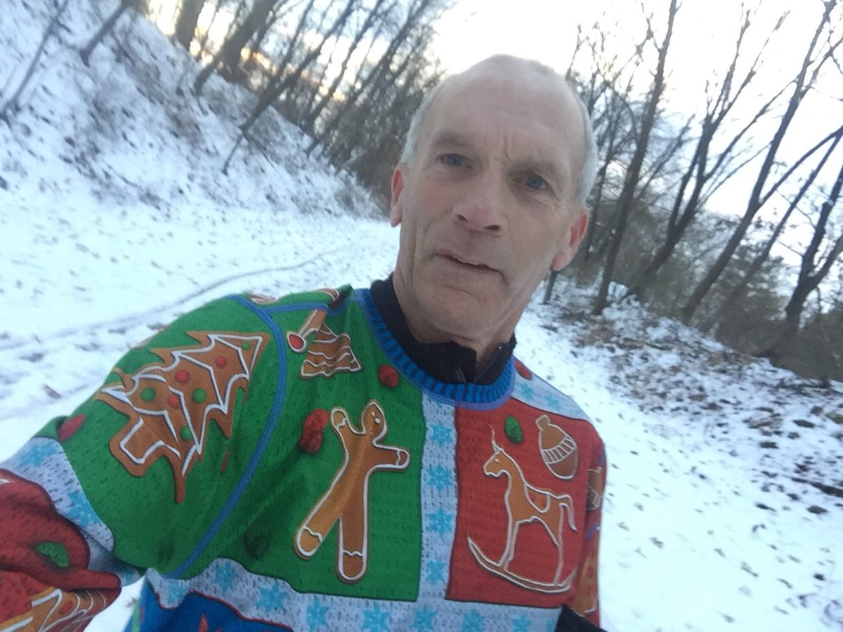 Thank you @INKnBURN I'm loving my running Holiday Sweater tech top #LovelyRunningSweaterDay https://t.co/G8pPu0yygt