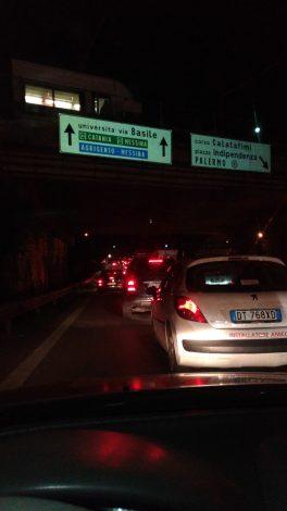 Chiuso il ponte che collega Villagrazia, traffico in tilt in mezza città - https://t.co/OigPQdrKnI #blogsicilianotizie