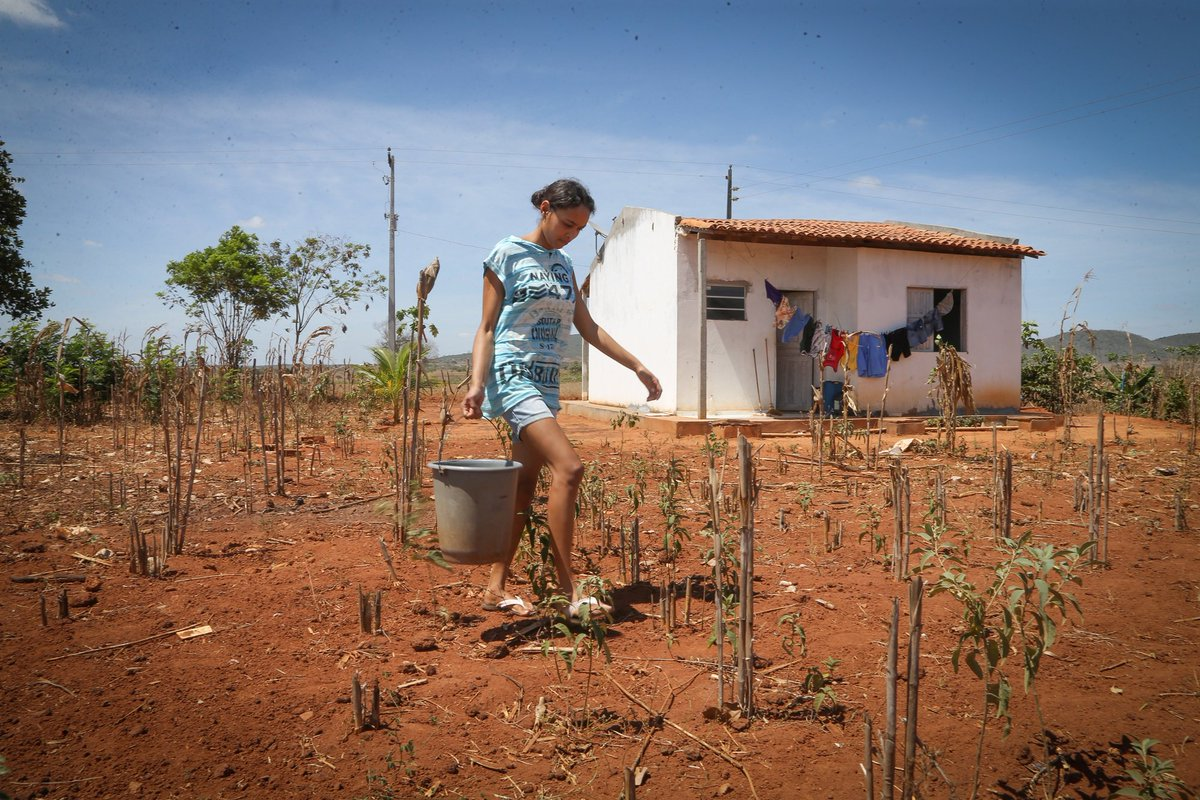 Brasil tem 52 milhões de pessoas na pobreza, o equivalente a toda África do Sul. https://t.co/ACmagUw21E