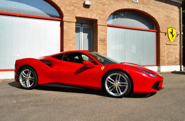 #FerrariFriday #TGIF #Red  #Ferrari #Beauty  Have a great evening!  @fokkerdude @19Edg91 @Tato1979 @Bertieschip @BCJr @ProfessorTeresa @vividcloudofwat <br>http://pic.twitter.com/UvHe1VlzBs