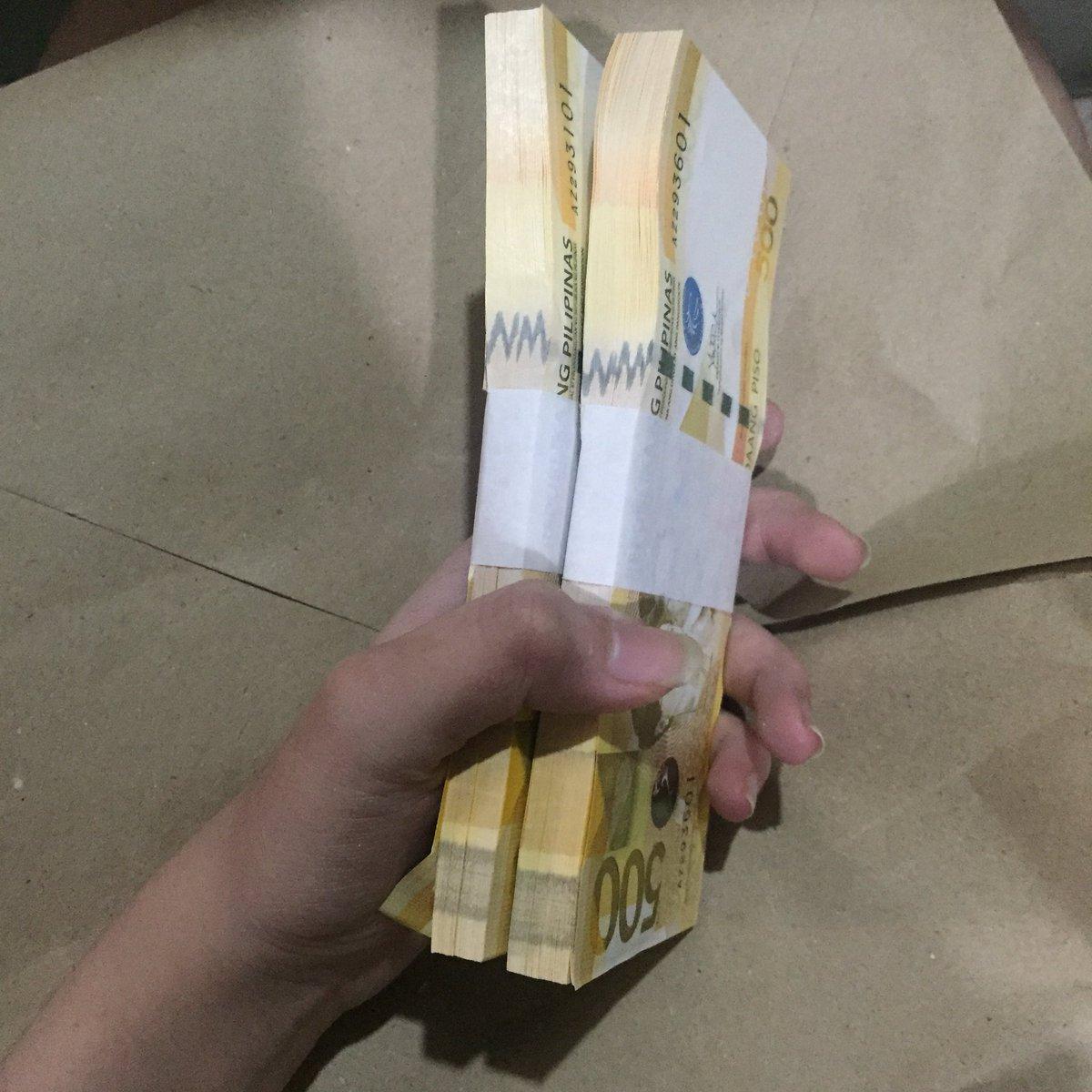 RT @tolenadaangela: rt these lucky 500 pesos para sagana sa  pera ang iyong pasko https://t.co/2IP29Erjqp