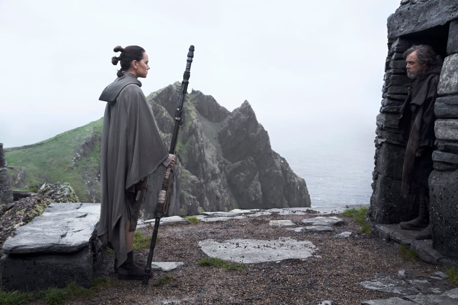 LIVE NOW: CBC News from Vancouver brings you @glasneronfilm and his review of The Last Jedi. ​Watch here: https://t.co/2rZe00itzr