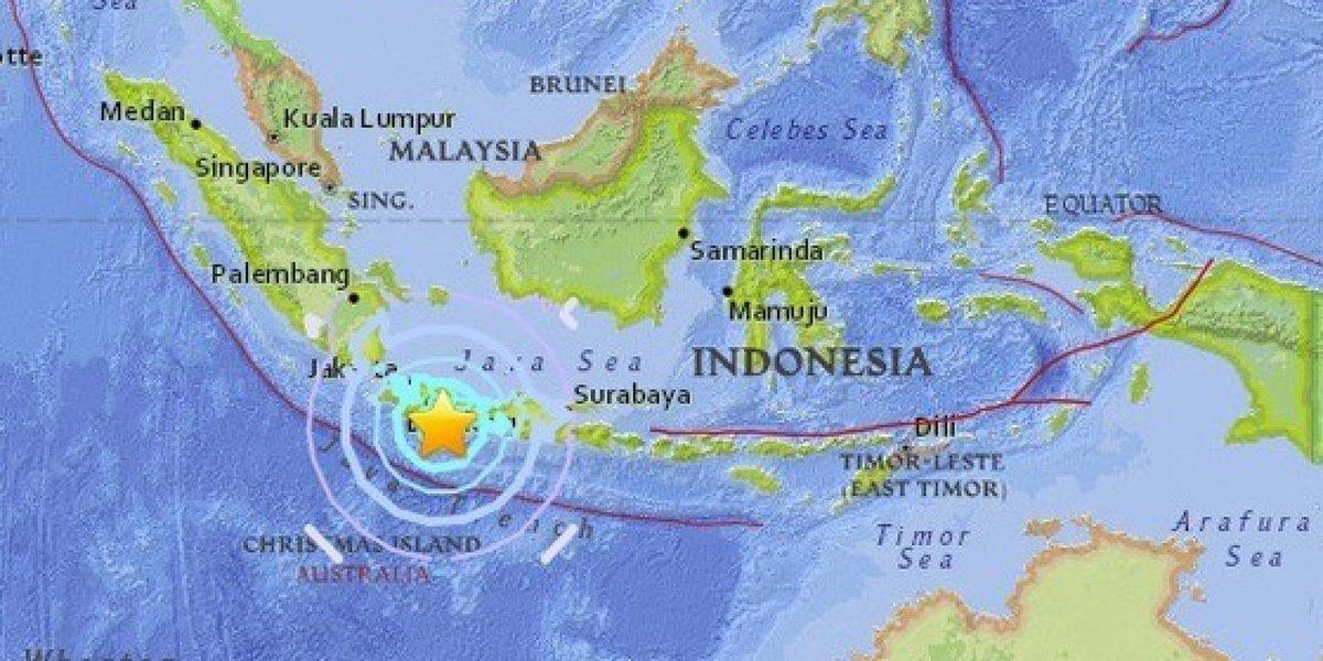 인도네시아 자바섬에서 규모 6.5 지진이 발생했다. 곳곳서 건물이 붕괴되고 최소 1명이 사망한 것으로 알려졌다. '불의 고리'에 속한 지역이다. https://t.co/oLjFf3OV4M
