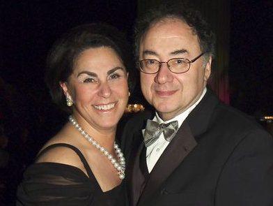 Murder-suicide suspected in shocking deaths of Toronto billionaire and wife. https://t.co/xjZ8KfKZy3