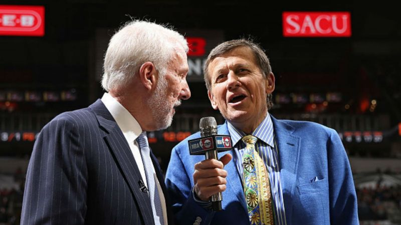 Gregg Popovich gives heartfelt in-game interview on anniversary of Craig Sager's death: https://t.co/MtxpAUXSLj