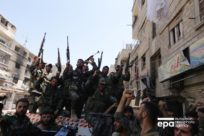 Инструкторы из США готовят боевиков ИГ для борьбы с армией Сирии, заявили в российском Центре примирения враждующих сторон https://t.co/lJDES2yvOB
