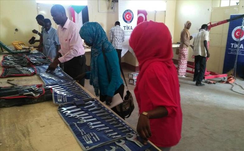 Turkey builds modern #learning space in #SouthSudan  TIKA project welcomed by local educationalists, ministers  http:// v.aa.com.tr/1006217  &nbsp;  <br>http://pic.twitter.com/P0ZEFEOx5n