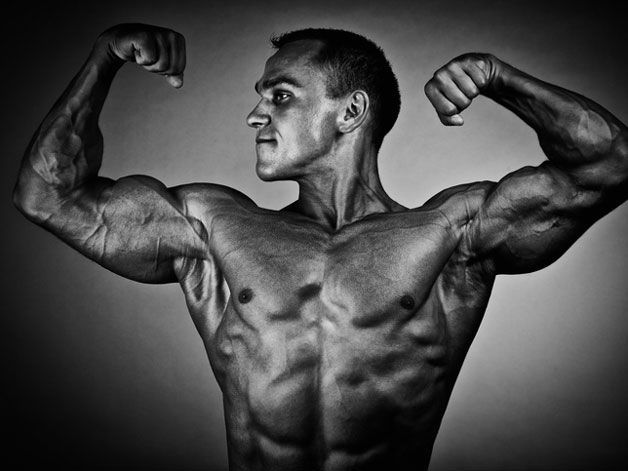 """Are you constantly critiquing your body? Many men are suffering, most in silence, from an obsessive-compulsive condition called """"muscle dysmorphia"""". https://t.co/iBdfJCzrG5"""